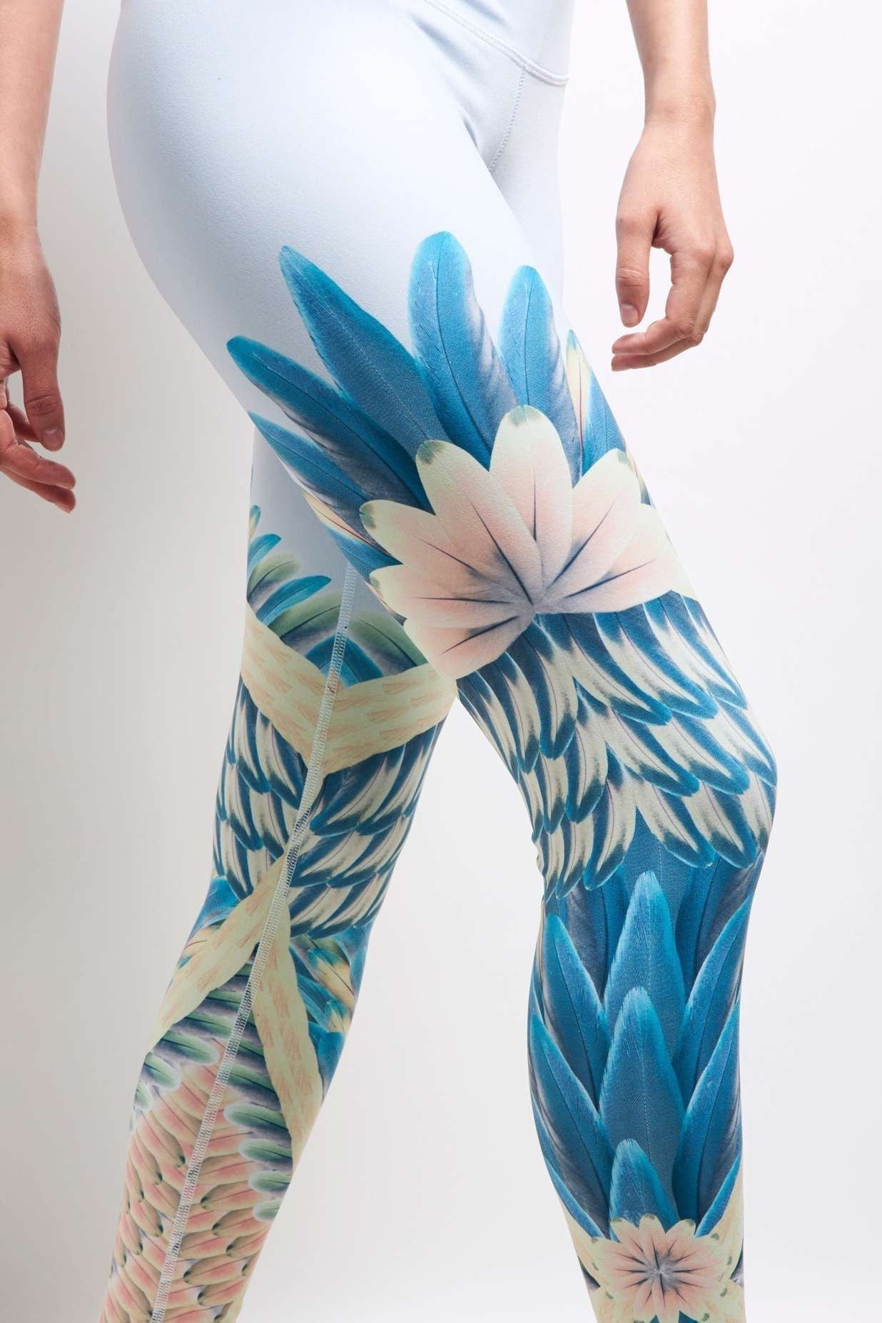 Alo Yoga Airbrush Legging - Tropical Feather image 4