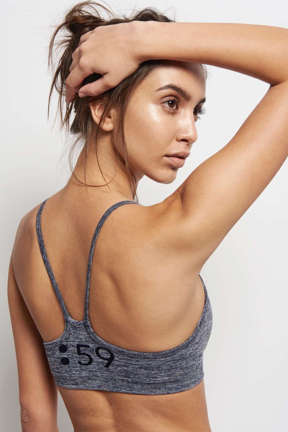 Splits59 Loren Seamless Bra Dark Denim image 3 - The Sports Edit