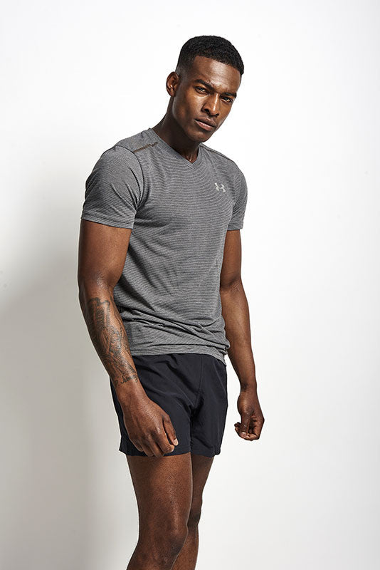 Under Armour UA Streaker V Neck Carbon Heather image 2 - The Sports Edit
