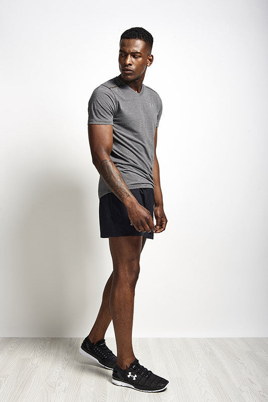 Under Armour UA Streaker V Neck Carbon Heather image 5 - The Sports Edit