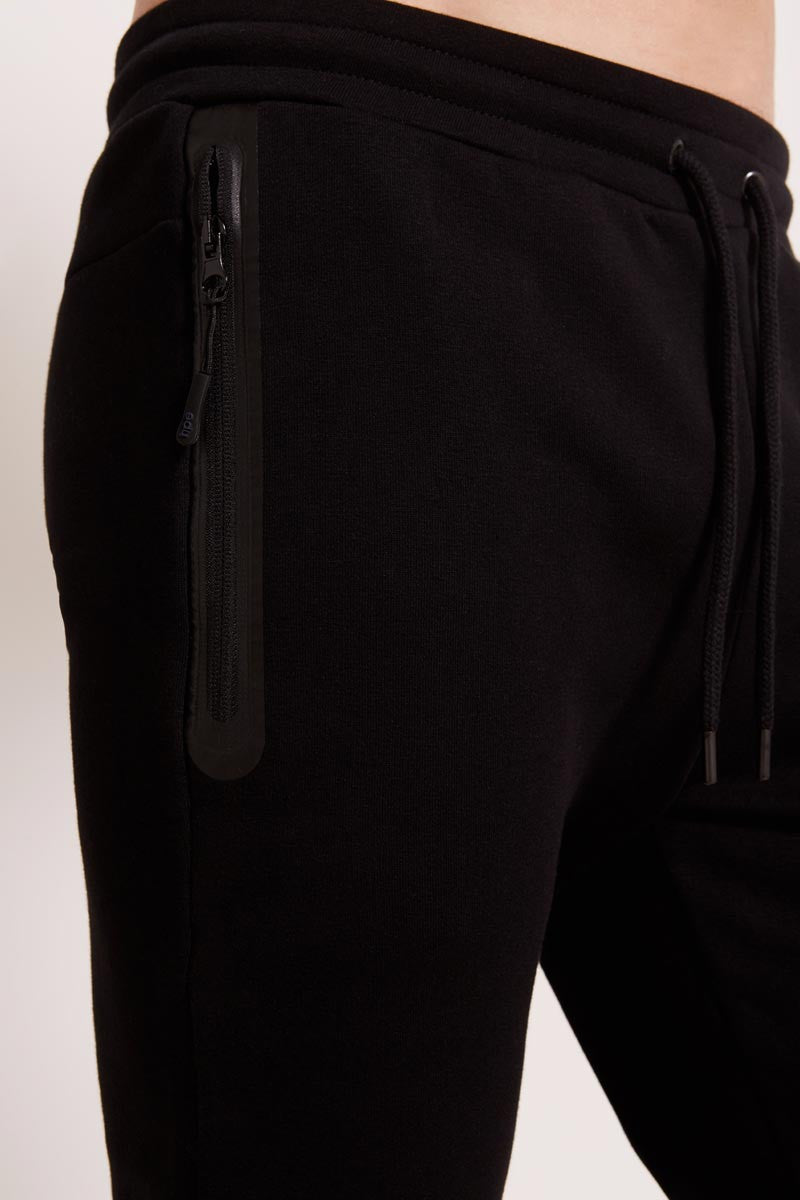 HPE Everyday Pants - Black image 3 - The Sports Edit