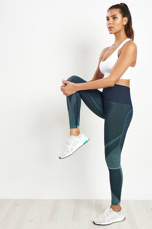 LNDR Spectrum Cropped Leggings image 3 - The Sports Edit