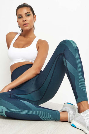 LNDR Spectrum Cropped Leggings image 4 - The Sports Edit