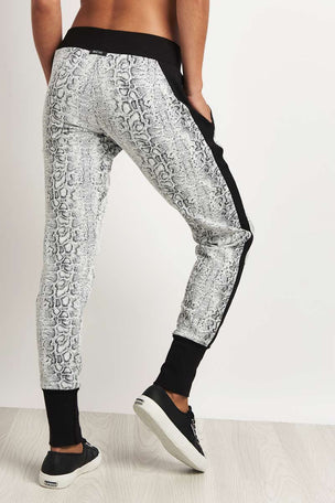 Michi Serpente Sweatpant image 2 - The Sports Edit