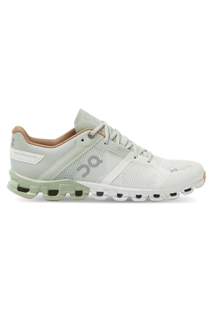 ON Running Cloudflow - Aloe/White | Women's image 1 - The Sports Edit