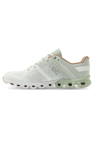 ON Running Cloudflow - Aloe/White | Women's image 2 - The Sports Edit