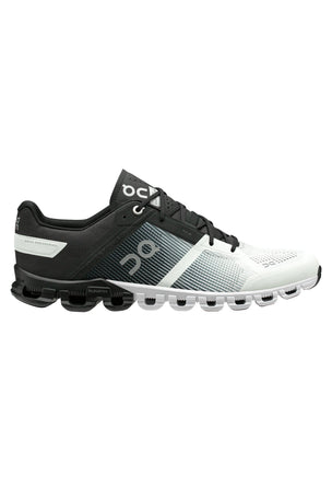 ON Running Cloudflow - Black/White | Men's image 1 - The Sports Edit