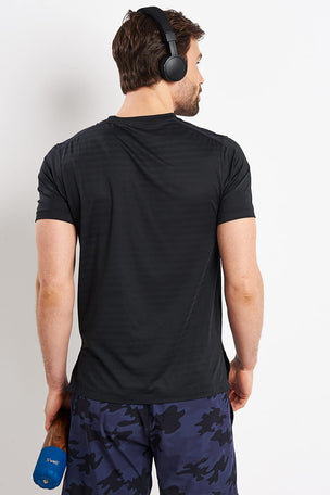 Rhone Swift Short Sleeve - Black image 2 - The Sports Edit