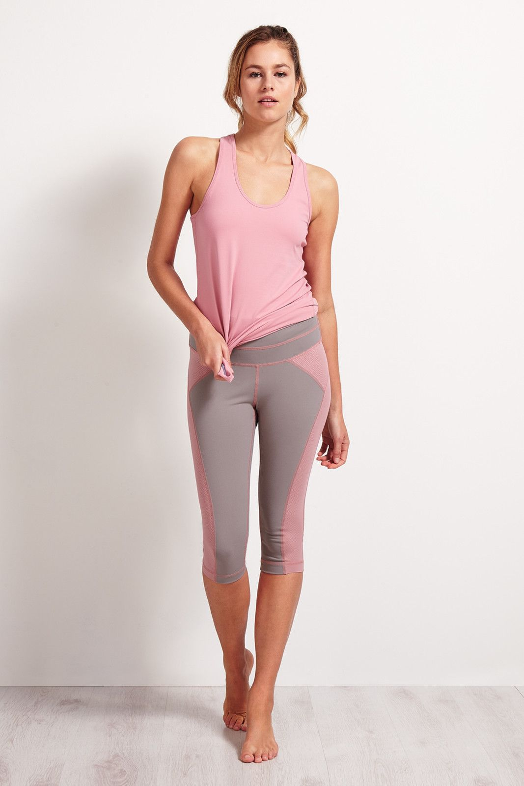 SALT Arc Yoga Capri Zinc image 4 - The Sports Edit