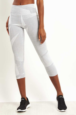 Under Armour Breathelux Cropped Leggings - Jacquard Print image 1 - The Sports Edit