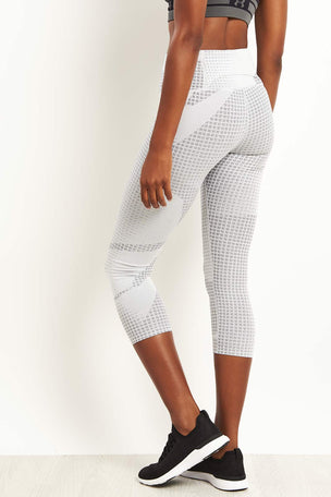 Under Armour Breathelux Cropped Leggings - Jacquard Print image 2 - The Sports Edit