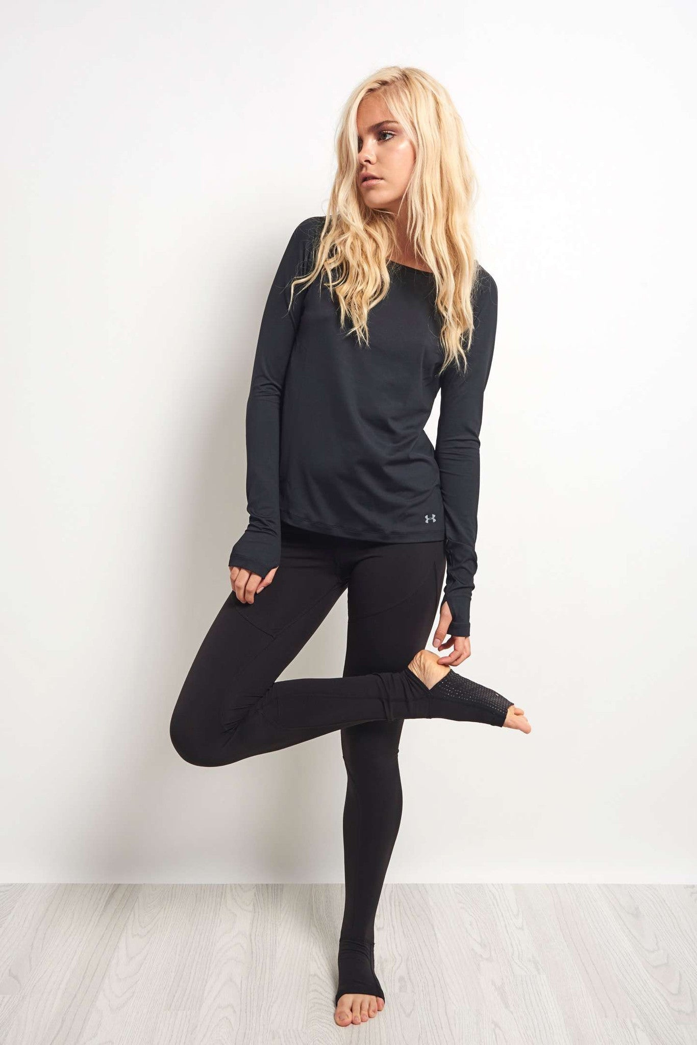Under Armour Swing Keyhole Long Sleeve Top Black image 4 - The Sports Edit