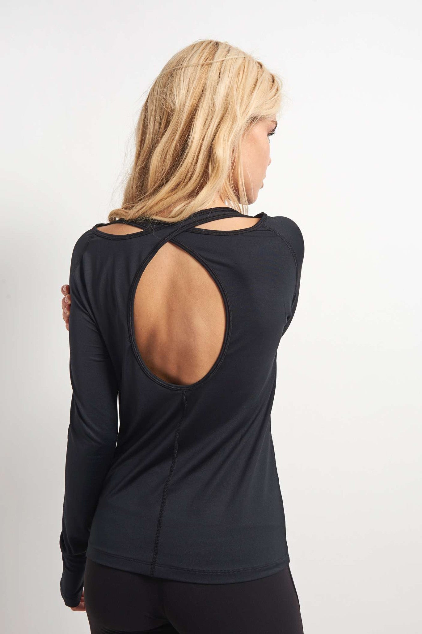Under Armour Swing Keyhole Long Sleeve Top Black image 2 - The Sports Edit
