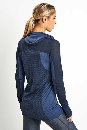Under Armour Vanish Seamless Layer image 2 - The Sports Edit