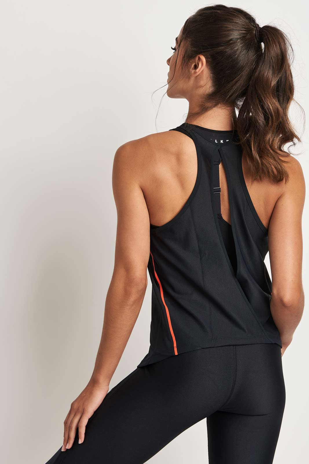 Under Armour Accelerate Tank 2.0 Black image 2 - The Sports Edit