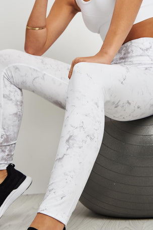 Varley Crenshaw Tight - Grey Marble image 3 - The Sports Edit