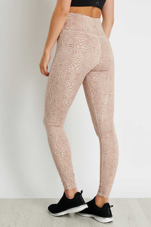 Varley Duncan Legging - Rose Feathers image 3 - The Sports Edit