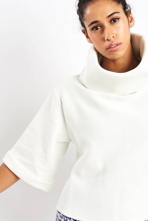 Varley Milwood Sweat - White image 3 - The Sports Edit