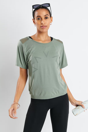 Varley Mansfield Tee - Rock Ridge image 2 - The Sports Edit