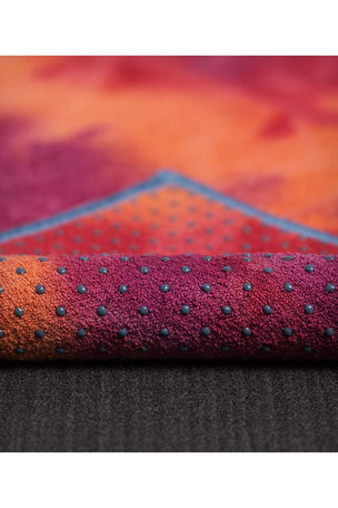 Manduka Yogitoes Towel - Groovy La Rampa image 3 - The Sports Edit