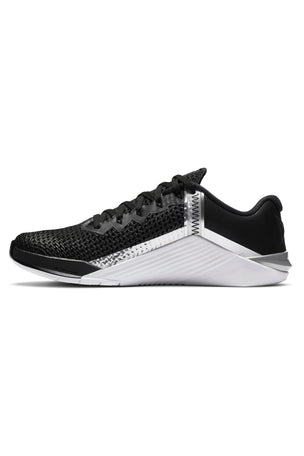 Nike Metcon 6 Shoes - Black/Metallic Silver | Women's image 2 - The Sports Edit