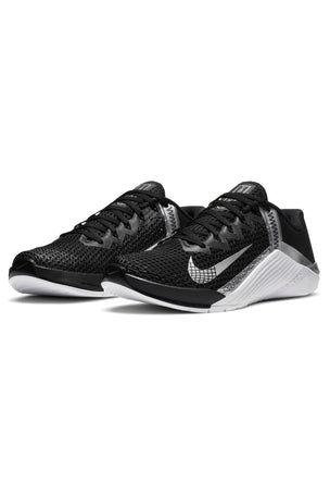 Nike Metcon 6 Shoes - Black/Metallic Silver | Women's image 4 - The Sports Edit