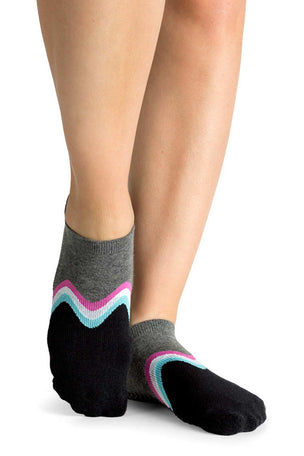 Pointe Studio Willow Grip Sock Black image 2 - The Sports Edit
