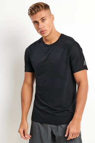 Reebok ACTIVCHILL Vent Move Tee - Black image 1 - The Sports Edit