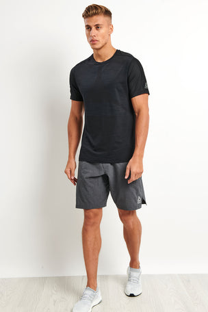 Reebok ACTIVCHILL Vent Move Tee - Black image 4 - The Sports Edit