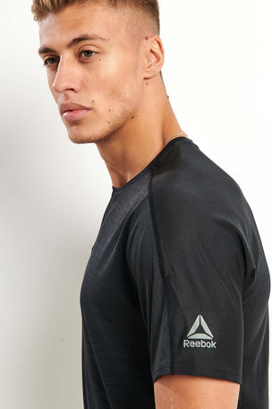 Reebok ACTIVCHILL Vent Tee - Black image 3 - The Sports Edit