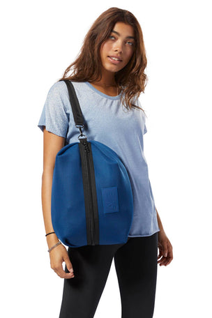 Reebok Enhanced Imagiro Bag - Blue image 4 - The Sports Edit