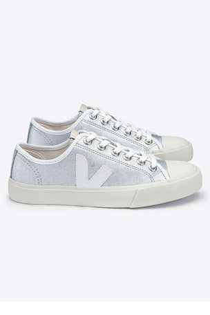 Veja Wata Canvas | Silver White | Women's image 3 - The Sports Edit