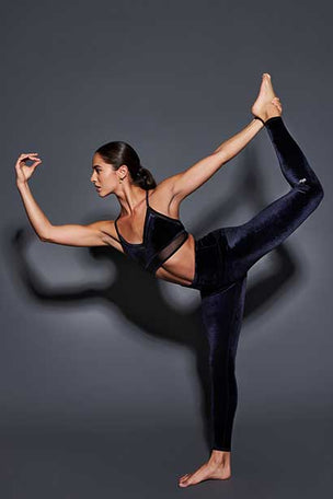Alo Yoga High Waist Posh Legging - Black image 5 - The Sports Edit