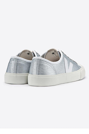 Veja Wata Canvas | Silver White | Women's image 4 - The Sports Edit