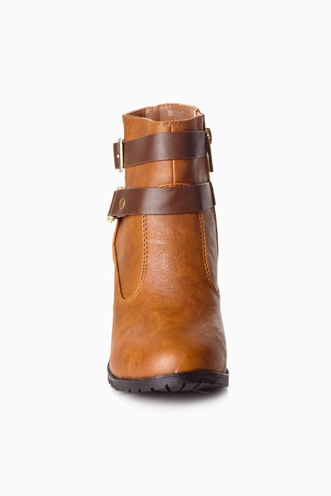 TAN BROWN STRAP BOOTIES