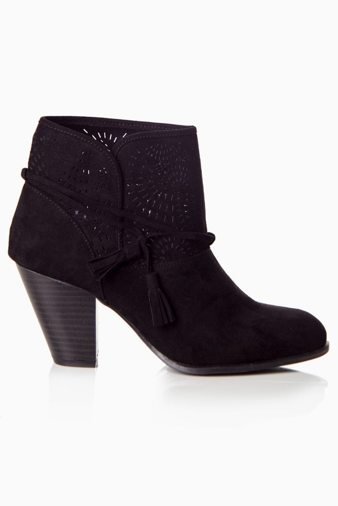 BLACK SUEDE PERFORATED TASSEL BOOTIE