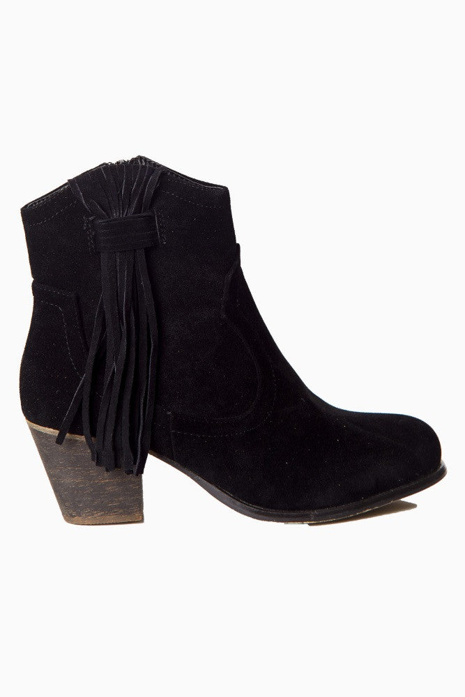BLACK FAUX SUEDE FRINGED ANKLE BOOT