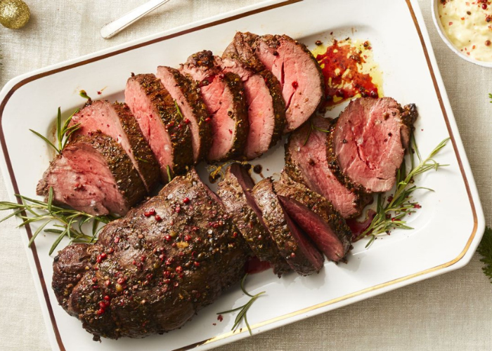 Peppercorn Beef Tenderloin With Horseradish Cream Sauce