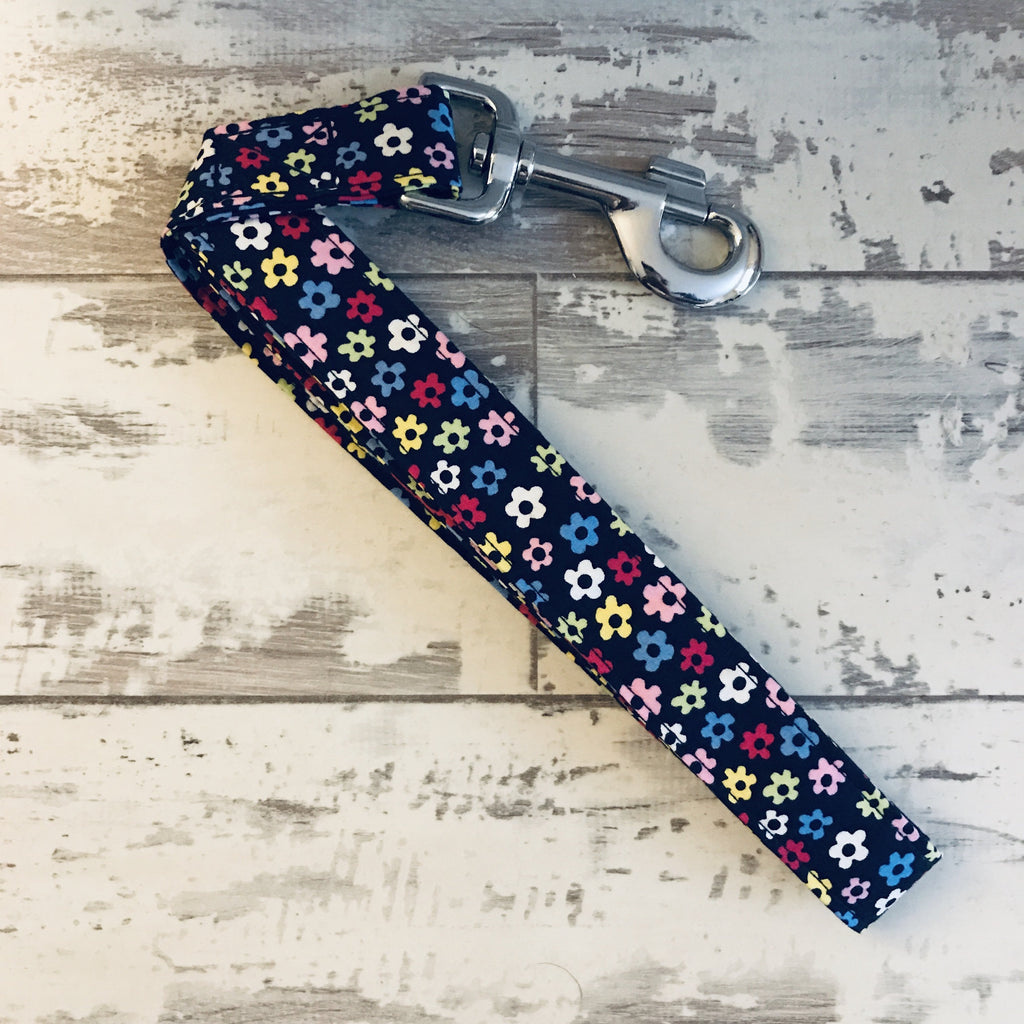 The Black Dog Company Handmade Dog Leads Small/Medium / Metal **NEW** Little Daisies - Dog Lead