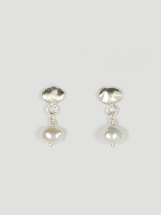 Solv Pearl Studs