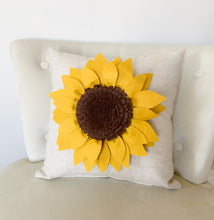 Load image into Gallery viewer, Decorative Sunflower Pillow