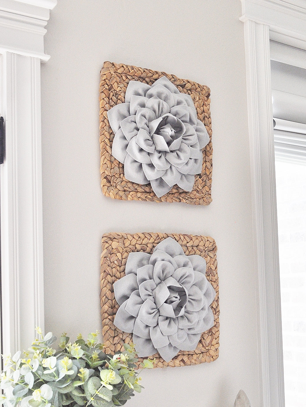 Gray Dahlia Flower on Square Hyancith Hanging Wall Decor Set - Daisy Manor