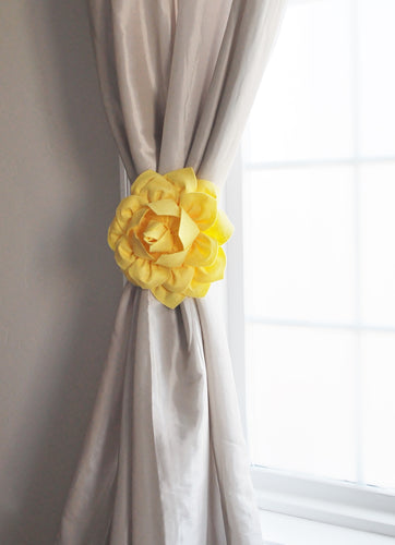 Yellow Dahlia Floral Curtain Tieback - Daisy Manor