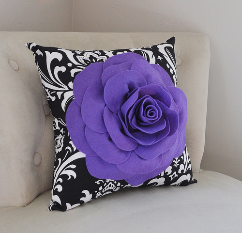 Decorative Pillow - Daisy Manor
