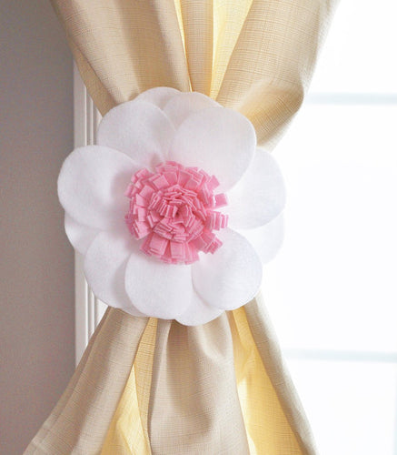 White Daisy Curtain Tie Back Set - Daisy Manor