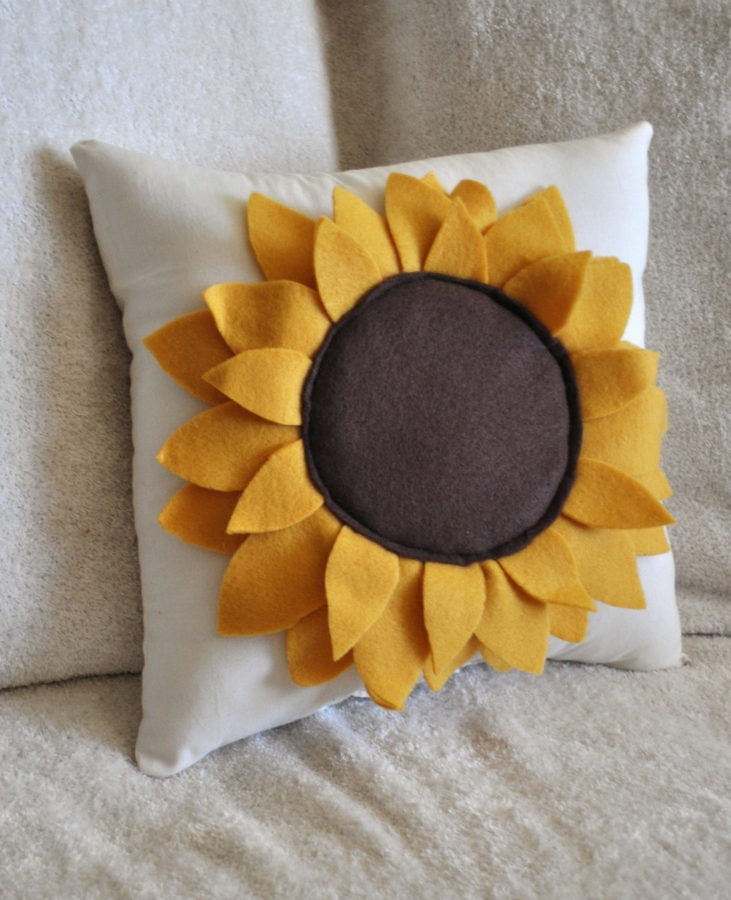 Sunflower Pillow - Daisy Manor