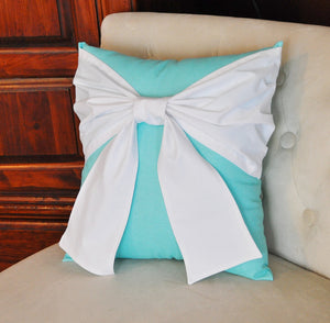 Throw Pillow White Bow on Navy Pillow 14x14 -Navy and White Pillow- Decorative Pillow- - Daisy Manor