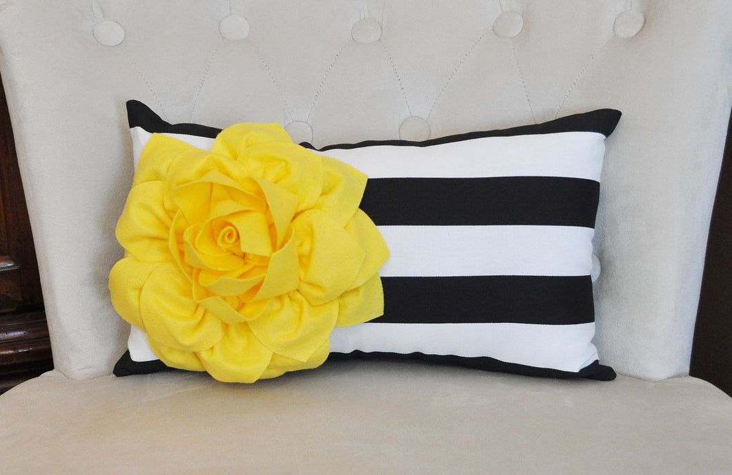 Decorative Lumbar Pillow - Daisy Manor