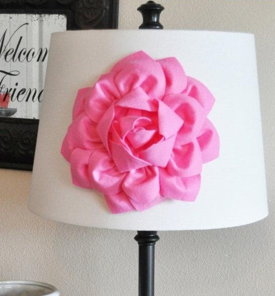 Dahlia Flower Accent - Daisy Manor