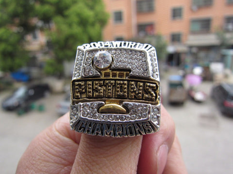 Free Shipping high quality 2004 Detroit piston World championship ring, sports fans rings, men gift ring